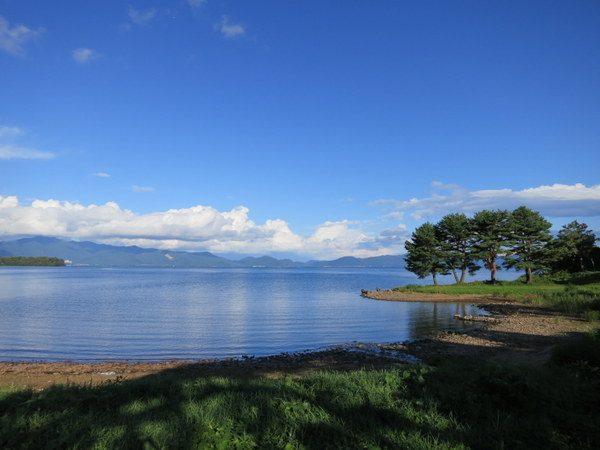 湖岸道路の風景