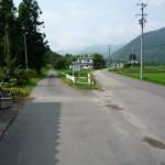 舟子峠への入り口(左)
