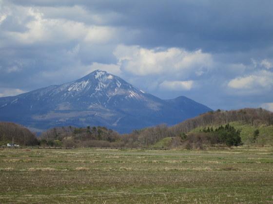 強清水近くから見る磐梯山