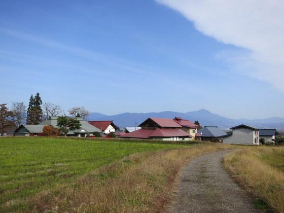 赤屋根と磐梯山