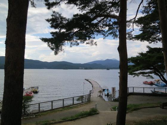 裏磐梯は檜原湖南岸