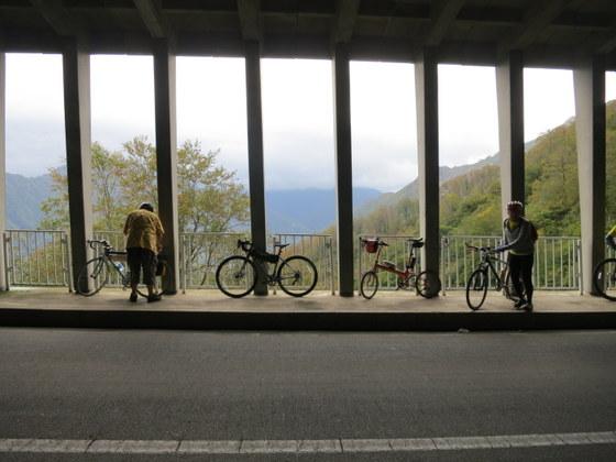 田子倉湖のスノーシェッド