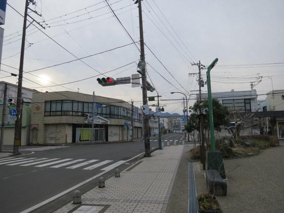 白石市街の喰違十字路(奥に城が見える)