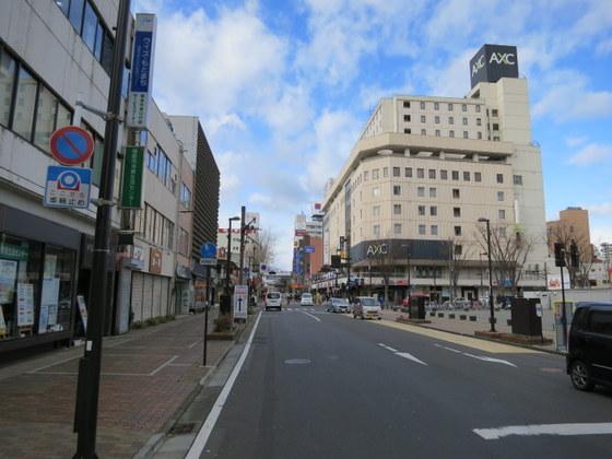 福島市の駅前からスタート