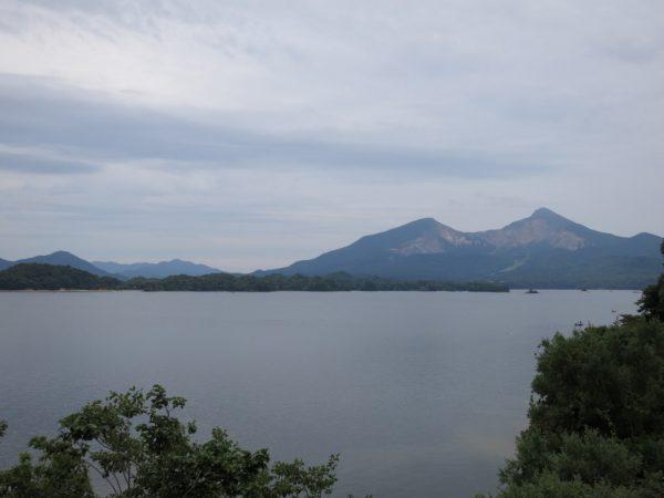 再び桧原湖と磐梯山