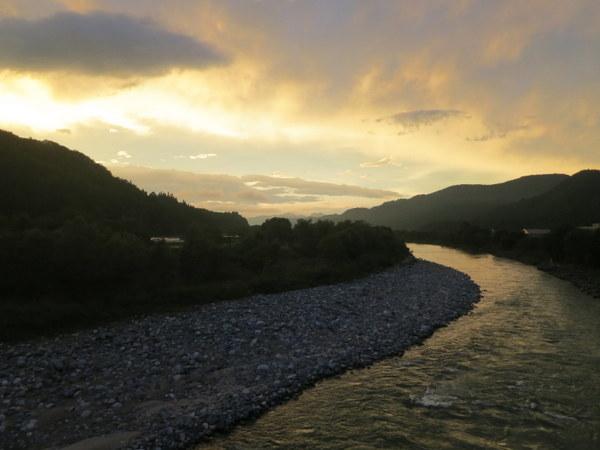 伊南川の夕日1